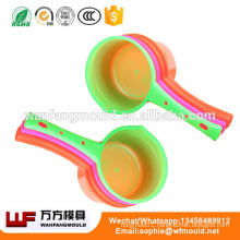 Creative 2017 new Kitchen plastic injection water scoop mould Long handle spoon moldings Multi-purpose scoop mold