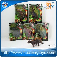 El animal plástico 2013 de la venta caliente juega los juguetes plásticos de los pequeños animales de los dinosaurios para el cabrito