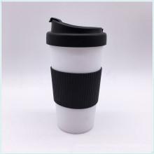Экологическая особенность и чашки и блюдцы BPA Free Пластиковая кружка для кофе PP с крышкой