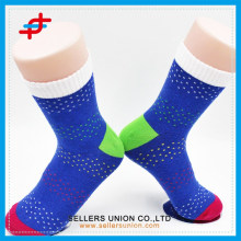 2015 latest men sports colorful socks for wholesale cheap and comfortable
