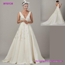 High Quality Deep V-Neck Elegant Chiffon Wedding Dress Embroidery Bridal Dress