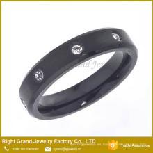 Anillo de compromiso de cristales de acero inoxidable chapado en negro IP de las mujeres