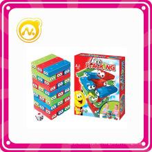 Apilando Juego de Torre de colores para niños jugando