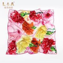 Écharpe carrée en soie à impression numérique Femme