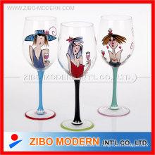 Vaso de cristal de vino tinto pintado a mano