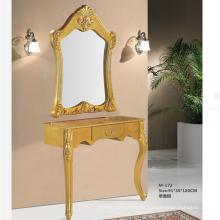 Die einseitige Spiegelstation mit Vitrinengestaltung