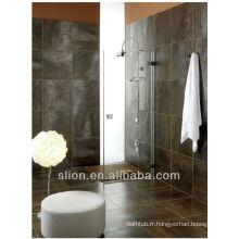 Mélangeur de douche thermostatique exposé au style classique avec design intemporel
