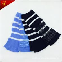 Calcetines del dedo del pie medio utilizados para el deporte