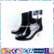 Zapatos populares de la lluvia del alto talón para las mujeres