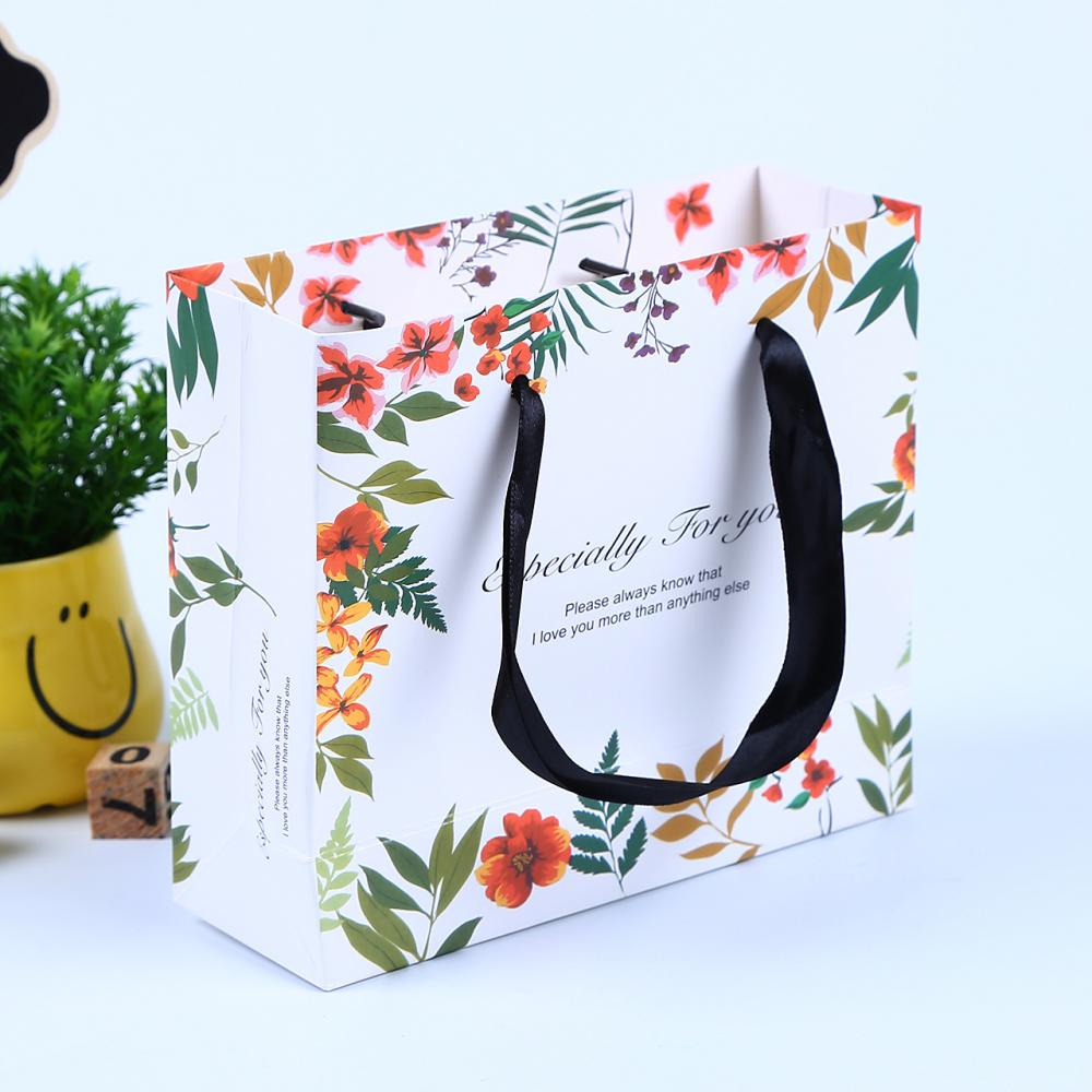 Wholesale Colorful Customized Printed Paper Bags
