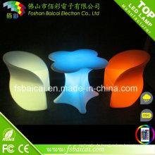 LED-beleuchtete Kunststoff-Glastisch und Stuhl für Bar