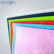 Papel de envoltura de regalo de hoja plana de color pantone presente no tejido