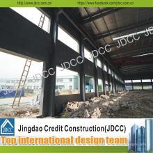 Oficina de aço estrutural com painéis compostos de cimento