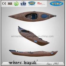 Sentir en bois en kayak en plastique
