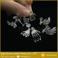 Único Bioflex Plastic Labret Skeleton Mãos Lip Ring