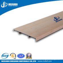 Rodapés de metal para bordas de cantos de parede