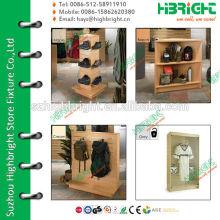 Suporte de metal e madeira para loja de roupas