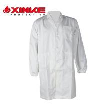 infirmière design blanc uniforme en magasin