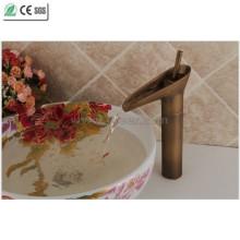 Torneira da bacia do cobre do punho do único bule antigo do cobre (Q13808HA)