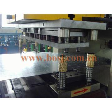 Pré / Galvanizado Aço e Gi Cable Tray / Cable Trunking Roll formando máquina Indústria