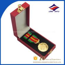Uso de recuerdo y material de metal diseñar su propia medalla de honor