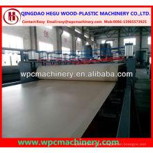 Espuma de crosta de alta resistência pp / pe / pvc wpc board machine