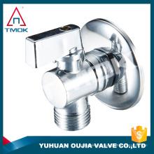 Accesorios de la válvula de llenado del hardware del baño válvula de ángulo de la base de la placa de cobre amarillo del triángulo cuadrado