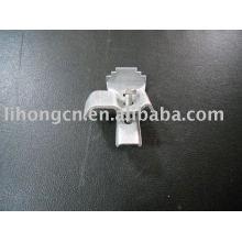 Fixation des clips d'attache pour grille en acier