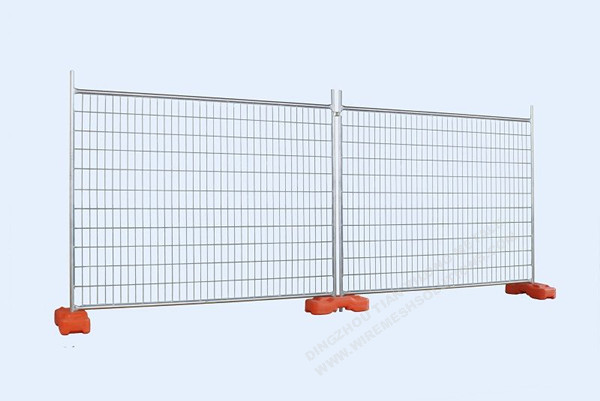 Welded Temporary Fence With Concrete Block Feet