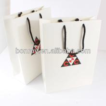 Papiertüte mit Griff Einkaufstasche grün und Umwelt-Tasche