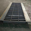 Perlindungan Saliran Parit Galvanized Steel Grating