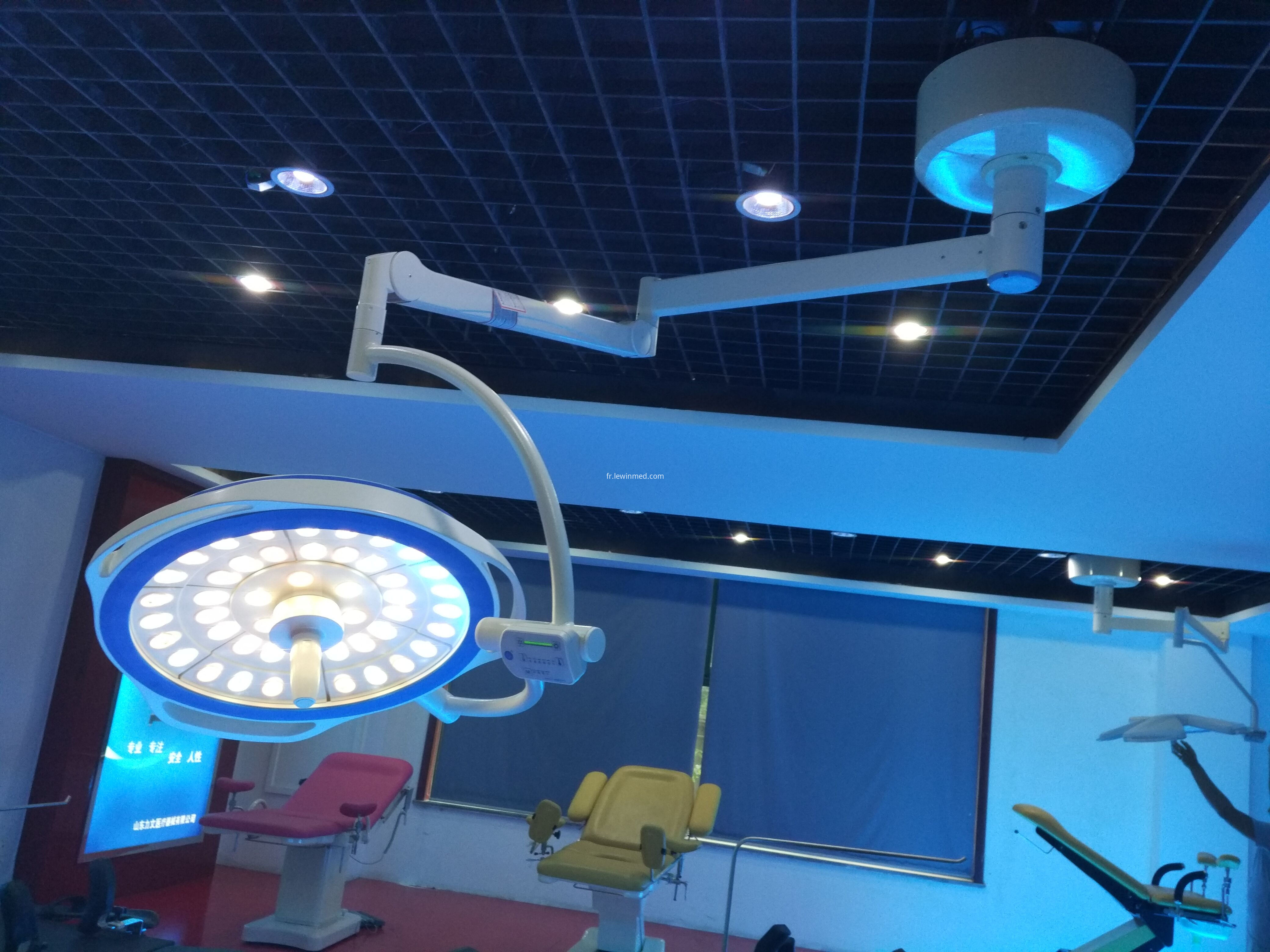 single dome round type surgical lamp