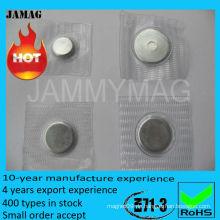 Magneten für Taschen auf Oberbekleidung