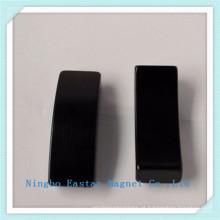N45 Ímã permanente NdFeB segmento com chapeamento do zinco
