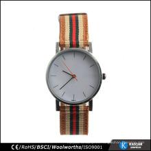 Las ventas calientes miran el reloj de nylon del wristband de la parte posterior del reloj del acero inoxidable de la correa