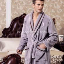 Luxus Herren Fleece Bademantel mit Embroidary