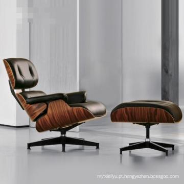 Charles Eames Lounge Chair com Otomano
