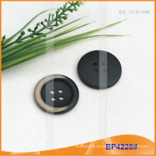 Botón de poliéster / botón de plástico / botón de camisa de resina para el escudo BP4228