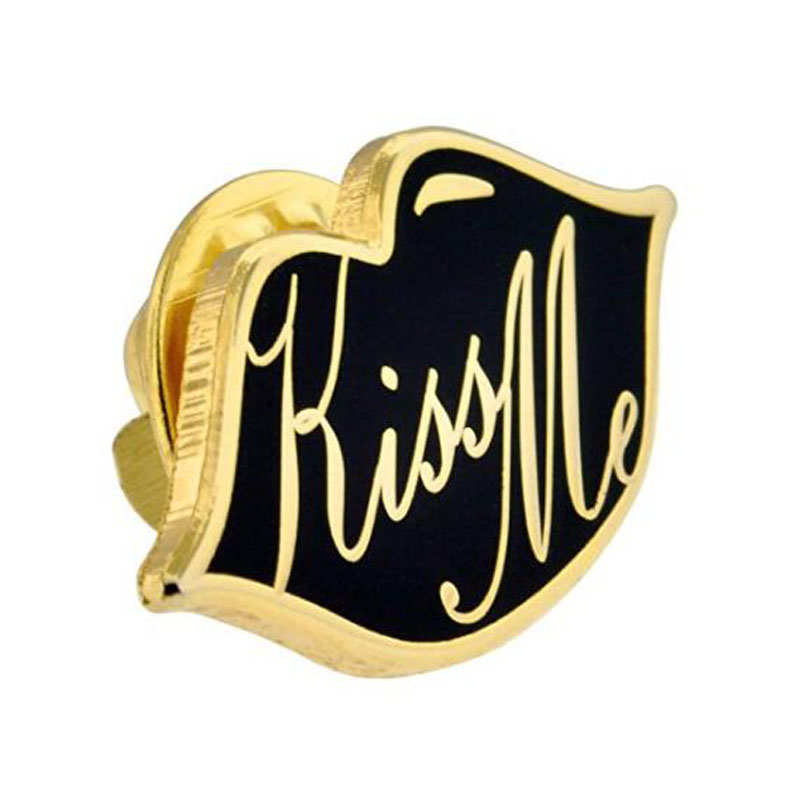 Kiss Me Lips Pin