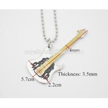 Pendiente de la guitarra eléctrica del oro amarillo Collar pendiente de la guitarra del instrumento musical de la personalidad de la plata