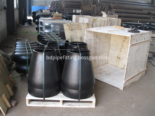 Alloy pipe fitting (262)
