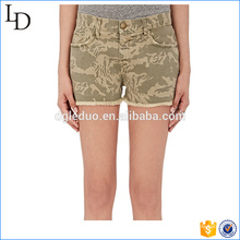 Camuflagem Cutoff impressão shorts hot pants denim curto para senhora