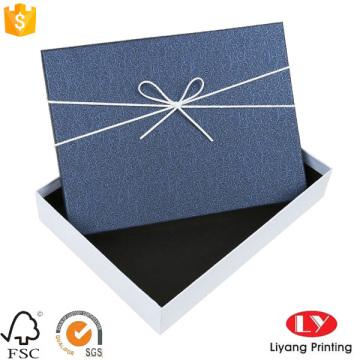 Kreativpapier bedruckte Geschenkverpackung aus Pappe