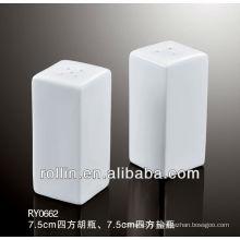 2014 elegant design ceramic square salt and pepper shaker