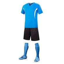 2017 vente chaude conception en gros football respirant uniforme maillot de football pour les hommes