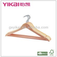 Colgante de madera de la camisa del color natural con las muescas de U, con la barra redonda y el tubo antideslizante del PVC, el tubo puede ser transparente