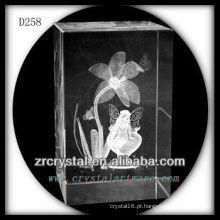 Flor dos Daffodils do laser de K9 3D dentro do bloco de cristal