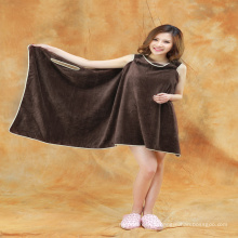 Nouvelle conception en gros 100% coton femmes hôtel serviette de bain / robe de bain / robe de serviette de bain