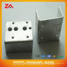 CNC подвергал части механической обработке