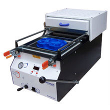 Small Vacuum Forming Machine